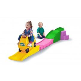 سطح شیب دار بازی مهد کودک